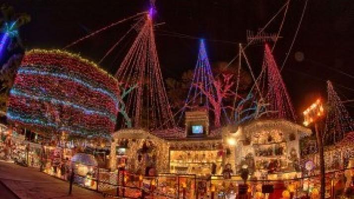 mejores-luces-Navidad-Tampa_759834206_6593425_1024x684-300x200.jpg