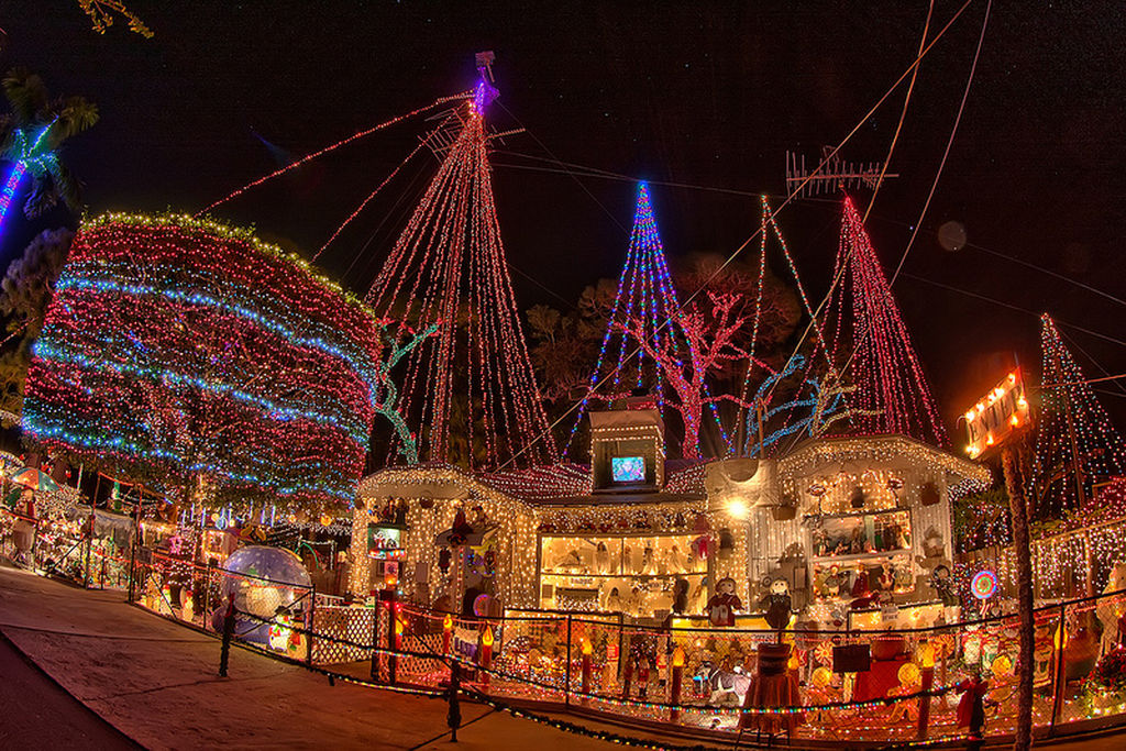Luces de navidad down caminar ciudad real asociaci n - Luces para navidad ...