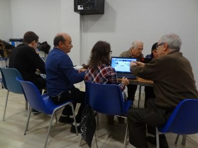 VOLUNTARIOS DE LA ASOCIACIÓN AVICEMCAM IMPARTEN UN CURSO DE INFORMÁTICA EN EL CENTRO DE INTEGRACIÓN SOCIAL Y LABORAL