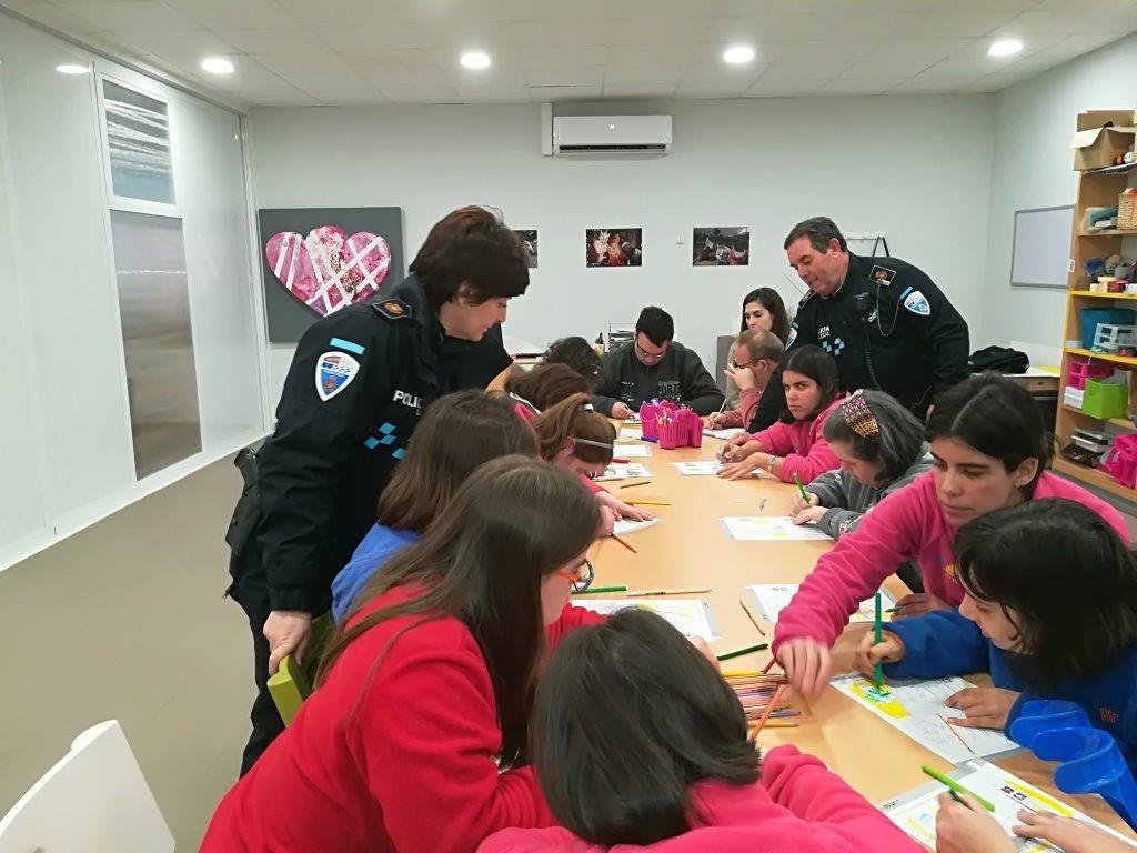 CHARLA DE EDUCACIÓN VIAL CON LA POLICÍA MUNICIPAL